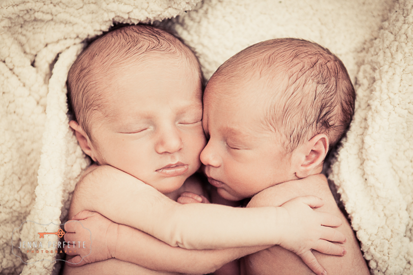 Newborn Twins Photography (7)