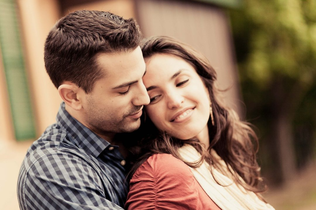 natural-and-intimate-lambertville-engagement-session-photography-in-new-jersey