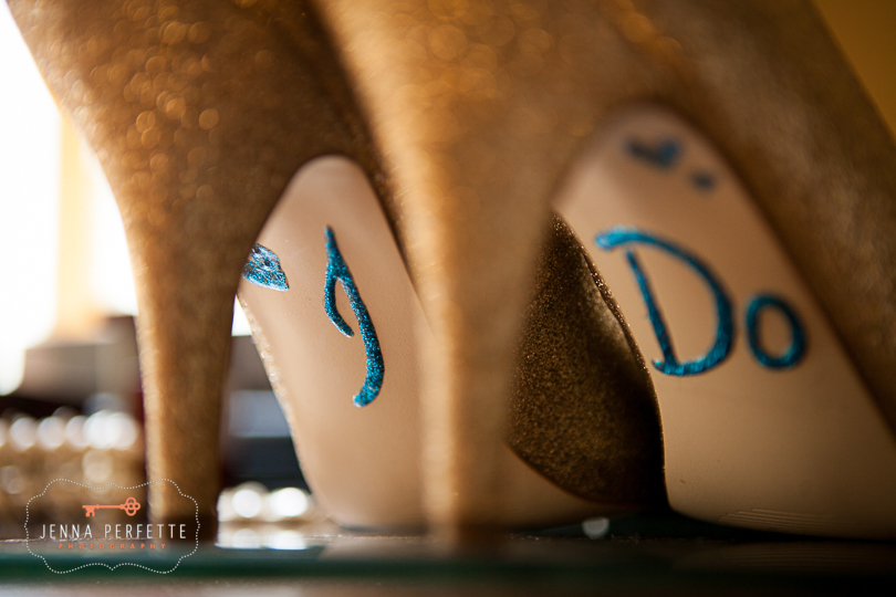 Little shoe details are my favorite, they're like a little secret just for the bride and groom