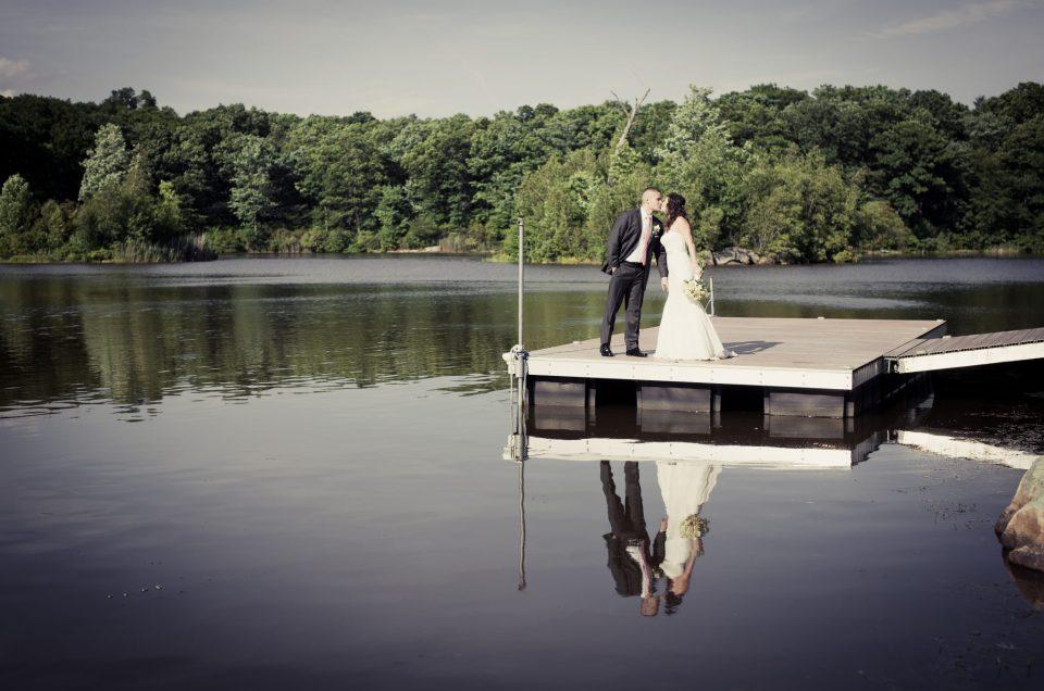 Juan & Lindsay – Rock Island Lake Club Wedding in Sparta