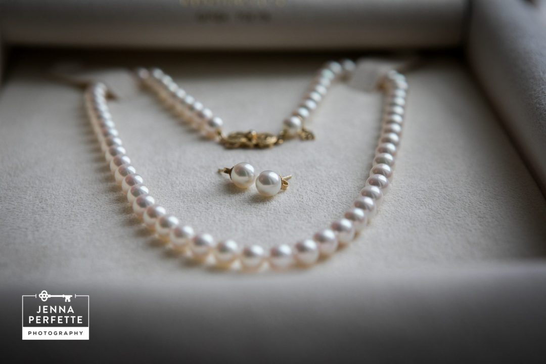Trump National Bedminster wedding photography mikimoto pearls bridal accessories