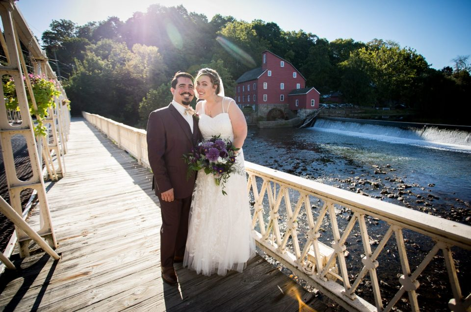 Maryjean & Alec – September Wedding at Red Mill Museum